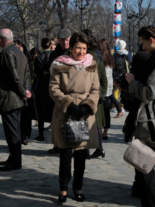 I thought this woman looked very nice- and that bag!
