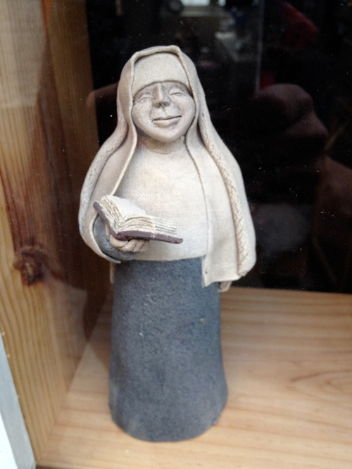 I so wanted to purchase this little nun in the window, but the shop was fermé.